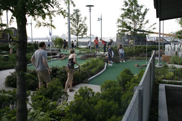 Miniature Golf Hudson River Park